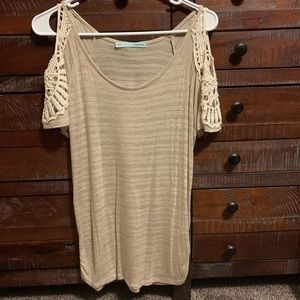 Maurices short sleeve shirt with shoulder cut-outs